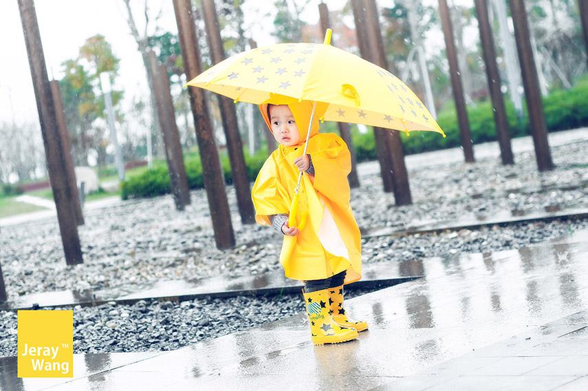 萌呆呆小满一,下雨天我也要出来溜达-Jeray.Wang